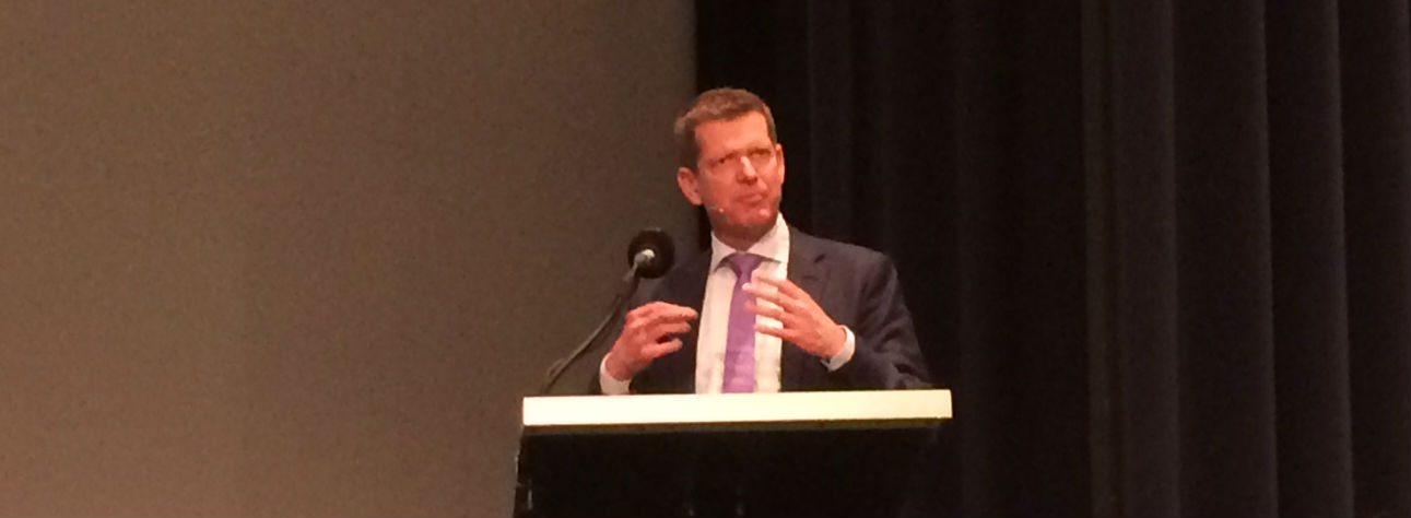 Stig Brostrøm bebudede, at Sundhedsstyrelsen vil komme med en række krav om bl.a. faglig standard og dataregistrering.