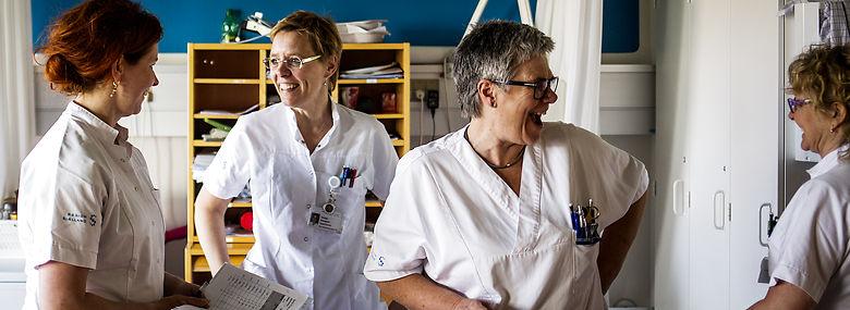 De ansatte på Sjællands Universitetshospital har ti fraværdagsværk - netop som landsgennemsnittet. <br />Foto: Simon Fals, Ritzau Scanpix