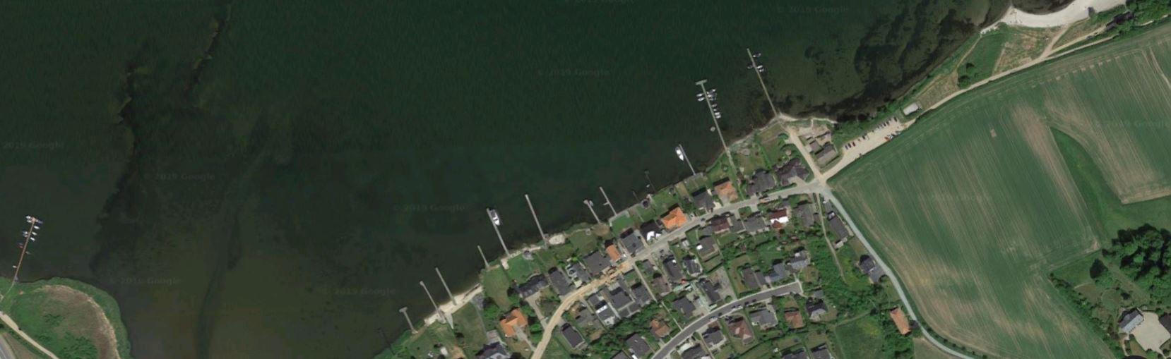 Villahaverne ved Rebæk på sydsiden af Kolding Fjord.<br />Foto: Google Maps