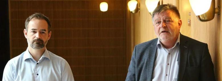 Borgmester Jacob Bundsgaard (tv) og direktør i Østjysk Bolig, Allan Søstrøm, ved præsentation af planen for Bispehaven.<br />Foto: Aarhus Kommune