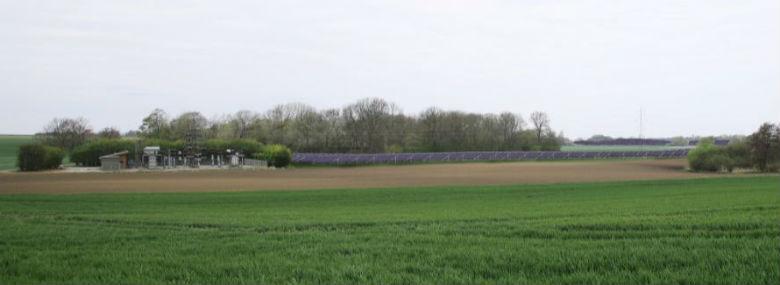 Solcellepanelerne får en totalhøjde på 2,2 meter over eksisterende terræn.