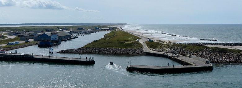 Udsnit af Thorsminde Havn set fra nord mod syd.