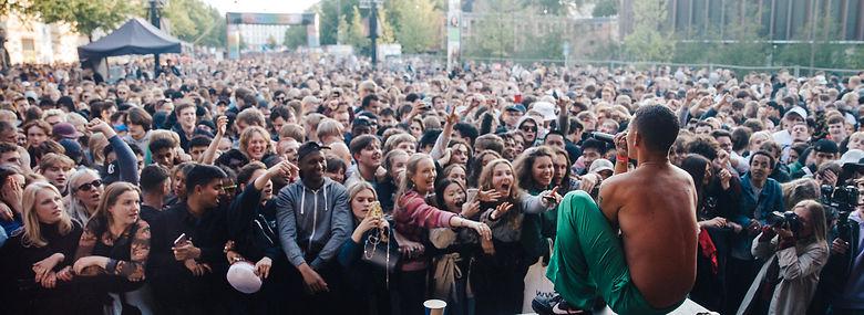 Den britiske rapper Slowthai under gade- og musikfestivalen Distortion 2019 i København - festivalen har problemer med at overholde reglerne, som er aftalt med Københavns Kommune.<br />Foto: Gonzales Photo, Ritzau Scanpix