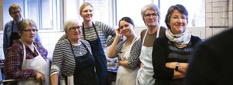 Madhuset i gang med projekt Økoløft Aarhus på Lokalcenter Rosenvang .<br />Foto: Katrine Marie Kragh, Jyllands-Posten, Ritzau Scanpix