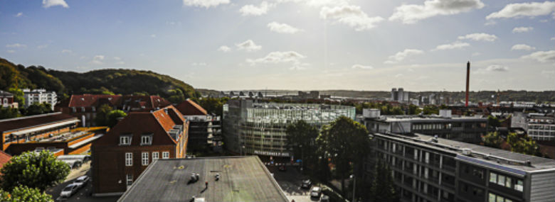 Den palliative afdeling har blandt andet en altan med udsigt over Vejle. <br />Foto: Charlotte Dahl, Sygehus Lillebælt
