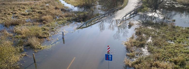 Et vådt efterår har givet oversvømmelser ved Gudenå-systemet. Her er det Gjern Å nær Silkeborg.<br />Foto: Morten Rasmussen, Ritzau Scanpix