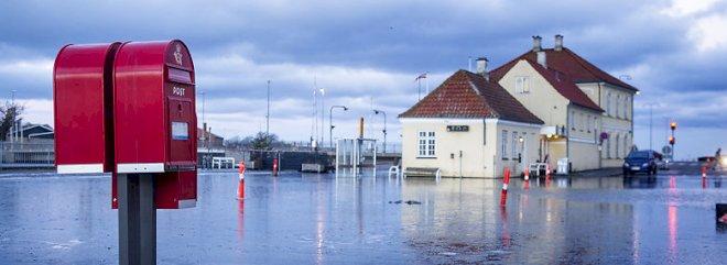 Uenighed om regningen for stigende vandmasser
