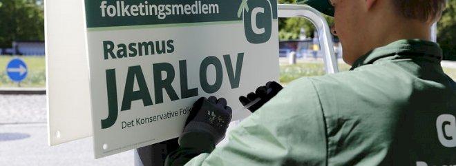 Rødovre måtte ikke pille Rasmus Jarlovs valgplakater ned