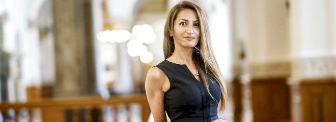 Kvindelige politikere chikaneres dagligt - nu går de rettens vej