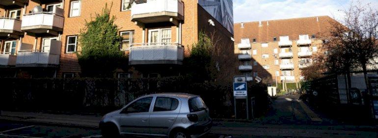 Mjølnerparken i København i figurerer på regeringens årlige ghettoliste, som blev offentliggjort den 1. december 2019. I år er der 28 almene boligområder på den såkaldte ghettoliste, som er udarbejdet af Boligministeriet. Det er tre færre end forrige år. <br />Foto: Ida Guldbæk Arentsen, Ritzau Scanpix