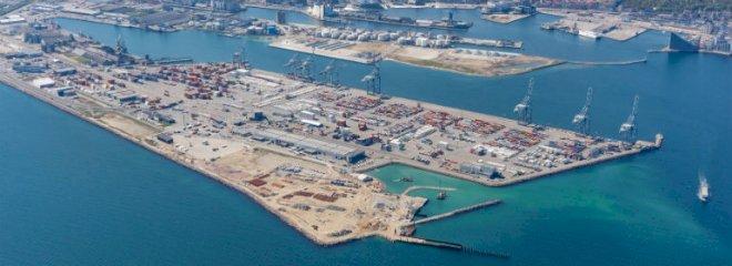 Færger bliver i havn og fly på jorden