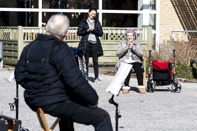 Nattens aftale vil sikre nye måder at besøge ældre