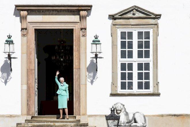 Minister klapper i om omstridt klimasnak fra dronningen