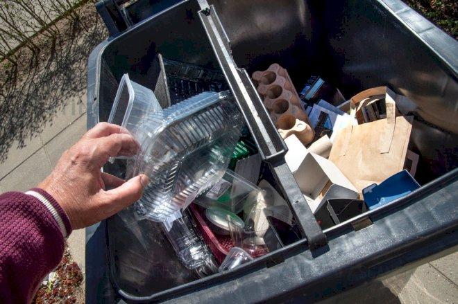 Miljøstyrelsen: 22 kommuner bør ændre indsamling af glas, metal og plast