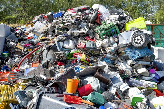 Regeringen vil have danskerne til at sortere ti typer affald