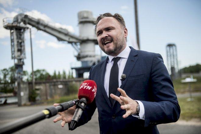 Støttepartier vil have regeringen til at lægge oliejagt i graven