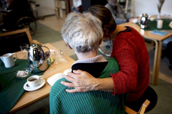 Plejehjemsbeboere kan få faste besøgspersoner indendørs