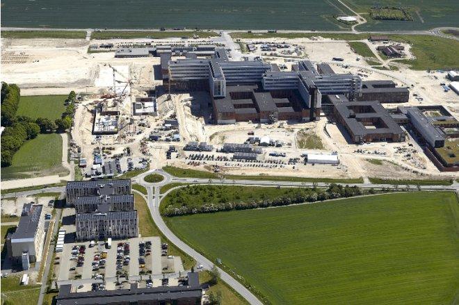 Strid om 20 mio. kr. truer med at forsinke supersygehus