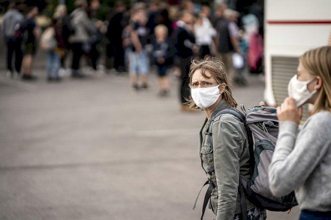 Sundhedsstyrelsen: Brug mundbind i fyldte busser og tog
