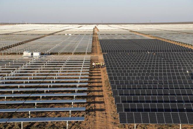 Sol- og vindenergi dækker nu en tiendedel af verdens energiforbrug