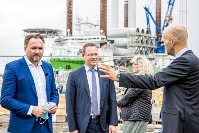 Esbjerg Havns vindmølleplaner får ros af minister