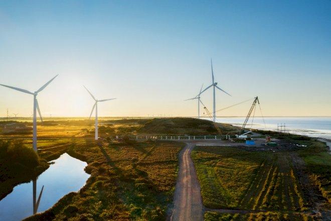 Apple-strøm fra solceller i Thisted og vindmøller i Esbjerg