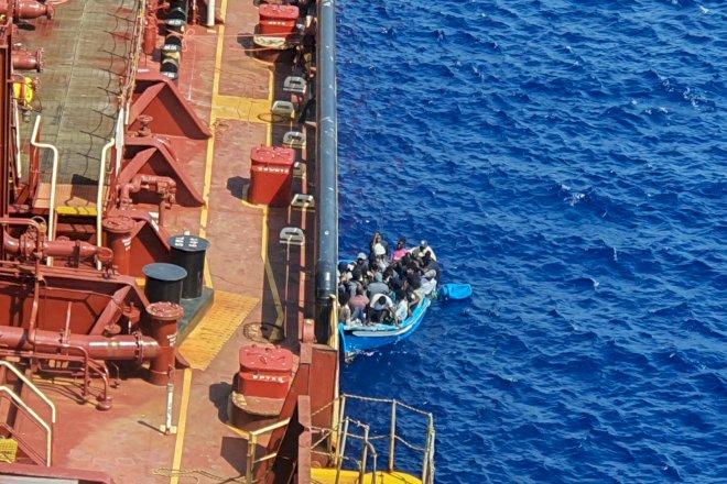 Tre sprang over rælingen på Mærsk-skib