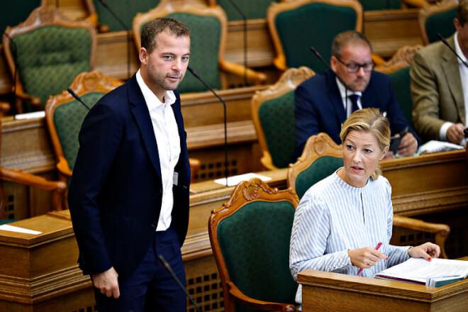 Morten Østergaard går som leder af De Radikale