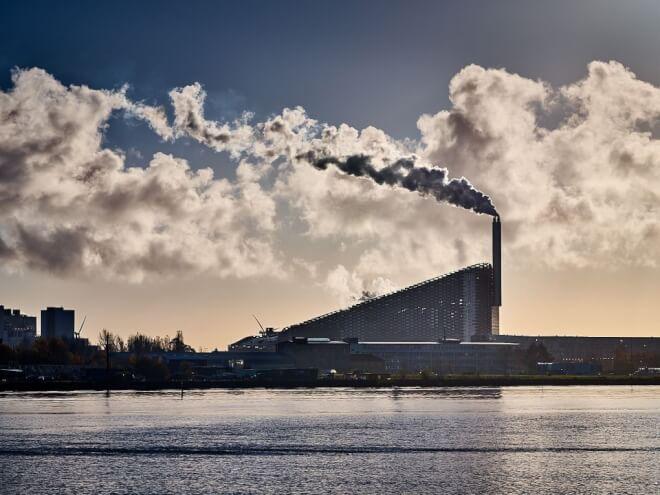 Amager Bakke vil være CO<sub>2</sub>-neutral i 2025 - med CO<sub>2</sub>-fangst