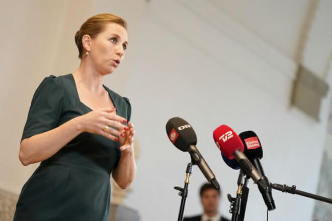 Mette Frederiksen ærgrer sig: Jeg har ikke gjort nok mod sexisme