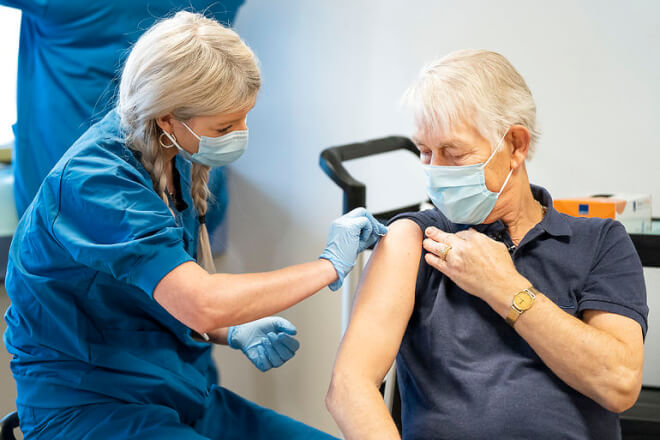 Igen gang i vaccinationer efter at ny sending er fordelt