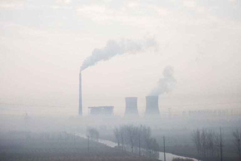 Rapport: Global genåbning medfører rekordudslip af CO<sub>2</sub>