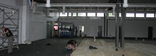 Renovering efter rådhusbrand trækker ud