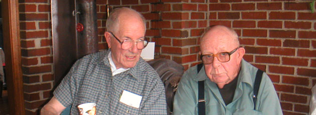 Mænd skal hjælpe ældre enkemænd